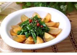 青椒皮蛋美食