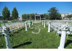 室外草坪大型婚礼现场
