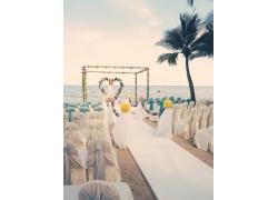 海边沙滩上的婚礼现场