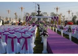 紫色浪漫婚礼现场布置