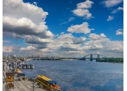 基辅河流风景