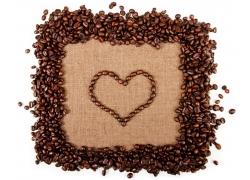 咖啡豆的心形图案