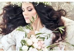 美女和花朵特写