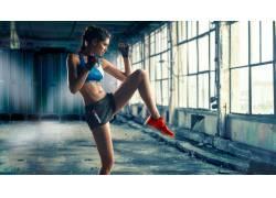 健身的美女写真
