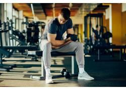 健身中的外国男人摄影