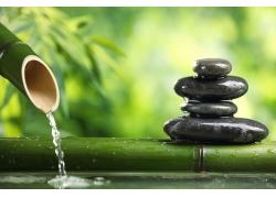 竹子和按摩石