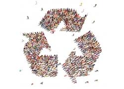 人群围成的环保标志