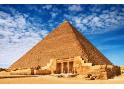 蓝天下的金字塔摄影