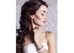时尚新娘装美女