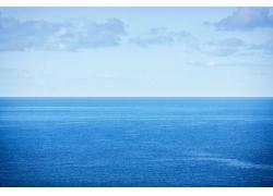 天空与海面风景