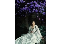 美丽鲜花与古装美女