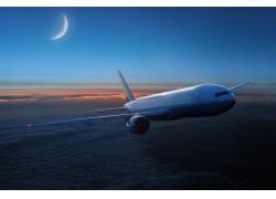 夜晚飞行的飞机