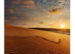 黄昏沙漠风景摄影