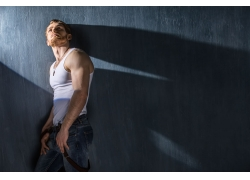 肌肉型男模型