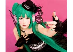 绿色头发的动漫女孩