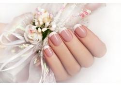 白色花朵指甲油