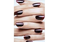 暗红色指甲美女手