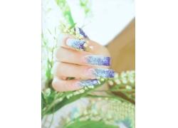 蓝色花纹美女指甲