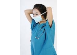 带着口罩的护士