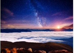 云海与星空风景