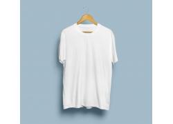 白色男士T恤展示