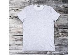 灰色短袖T恤展示