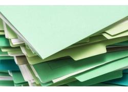 放在一起的绿色文件夹