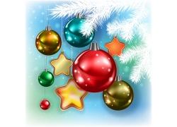 圣诞球与冷杉枝