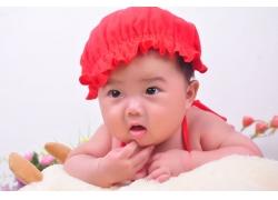 红色帽子宝宝