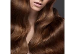 头发柔顺的美发模特