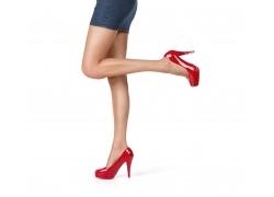 穿牛仔包臀裙的美腿