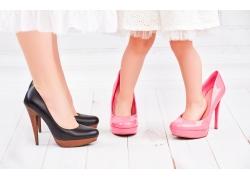 穿高跟鞋的美女女孩