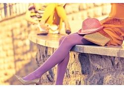 穿紫色丝袜的美腿