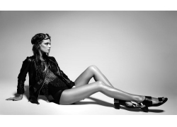 长腿性感美女