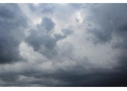 天空乌云满天