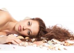 欧洲美女和贝壳