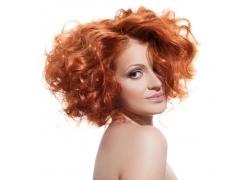烫染头发的性感美女