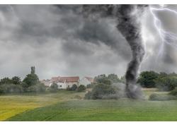 乡村田园龙卷风闪电