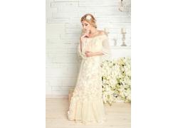 美丽新娘与鲜花