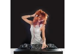 打碟的美女DJ师