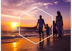 海边家人和菱形块图片