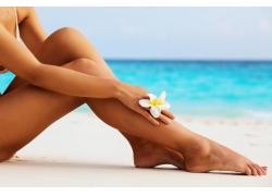 海边女人的腿图片