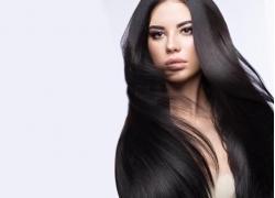 黑发模特美女
