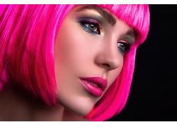 粉色头发的女孩