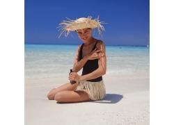 沙滩上的美女图片