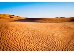 蓝天和沙漠