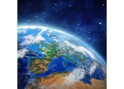 发光的地球和空星