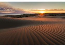 沙漠上的夕阳