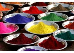 碗里的彩色粉末