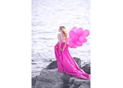 海边美丽女人图片